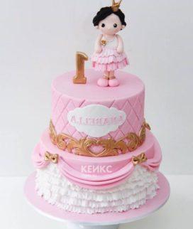 Торт розовый с принцессой в короне Фото