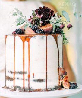 Оригинальный торт с карамелью Фото
