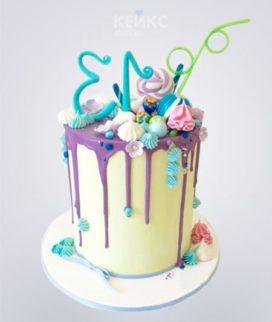 Торт с цифрой и сладостями Фото