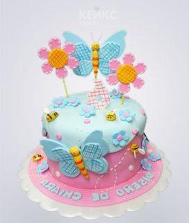 Розово-голубой торт с бабочками и цветами Фото