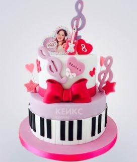 Торт с гитарой и скрипичными ключами Фото