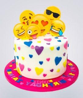 Торт со смайликами на первый юбилей Фото