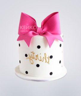 Торт в горошек с розовым бантом Фото
