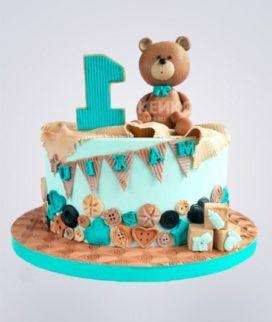 Торт с мишкой и пуговицами Фото