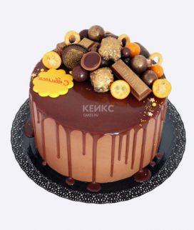 Торт шоколадный с желтыми акцентами Фото