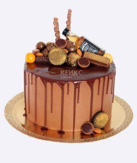 Шоколадный торт с мини-бутылкой Фото