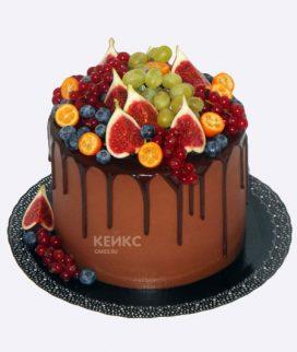 Торт с виноградом и инжиром Фото