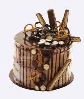Торт шоколадный с позолотой Фото