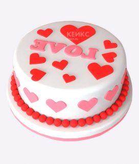 Милый торт с красными сердцами Фото