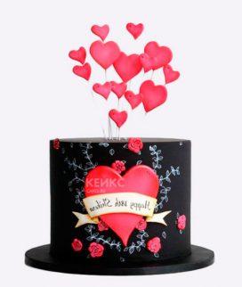Черный торт с розовыми сердцами Фото