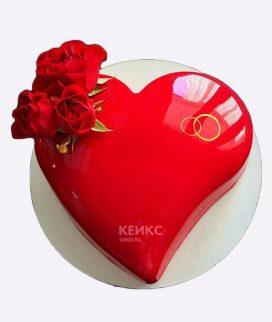 Торт красное сердце с розами Фото