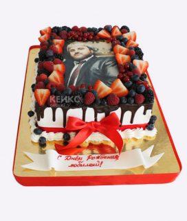 Торт прямоугольный с фото и ягодами Фото