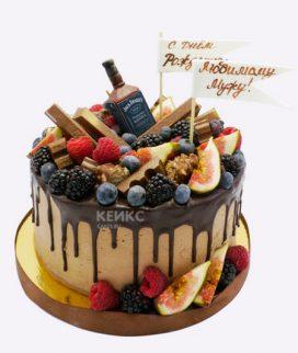 Торт с ягодами и шоколадом Фото