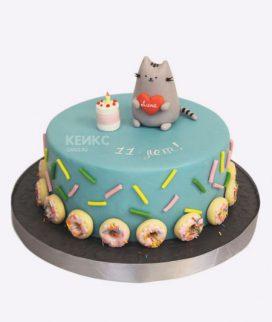 Торт голубой с пончиками и котиками Фото