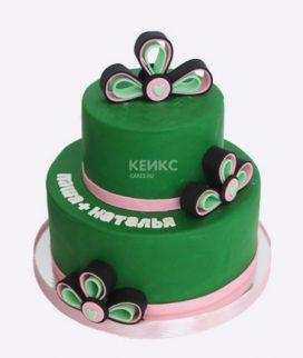 Двухъярусный зеленый торт Фото