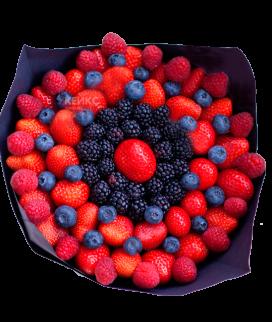 Недорогой букет с ягодами 1 Фото
