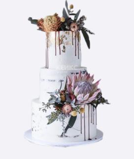 Трехъярусный свадебный торт без мастики Фото
